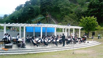 坂城中学校吹奏楽部の演奏