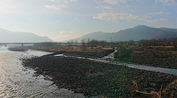千曲川でいろいろな工事が始まっています